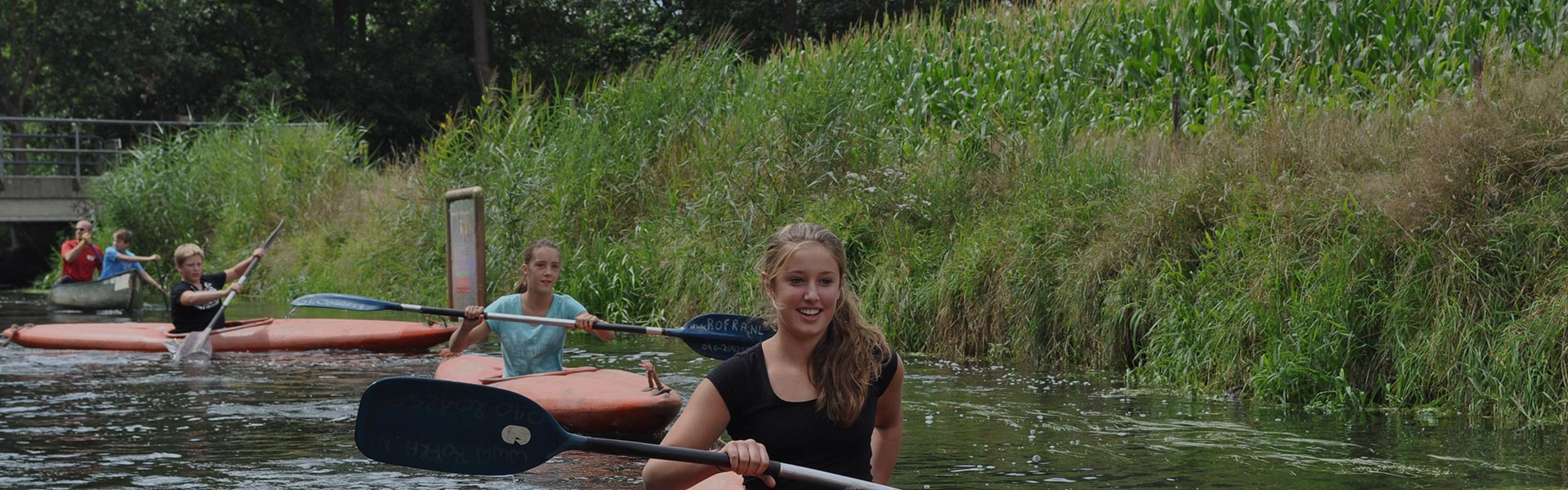 Kids' party canoeing
